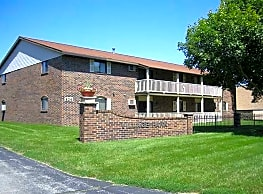 Village Park Apartments - Green Bay