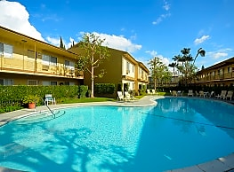 Island Apartments - Pico Rivera