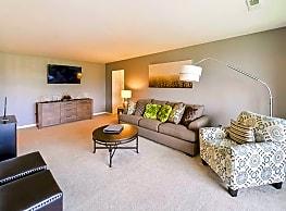 Summit Pointe Apartment Homes - Scranton