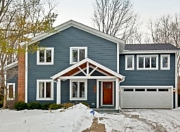 Newly Renovated Lake Forest Home - Lake Forest