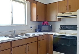 Independence Square Apartments, Clarkston, MI