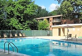 Rolling Hills Apartments, Alexandria, VA