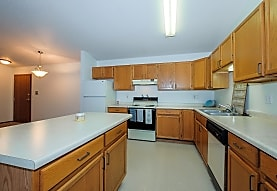 South Pointe Apartments, Fargo, ND