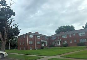 Oakland Court and Gardens, Cedar Rapids, IA