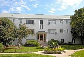 Oakland Apartments, Arlington, VA