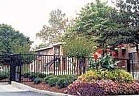 Gates Park Crossing, Atlanta, GA