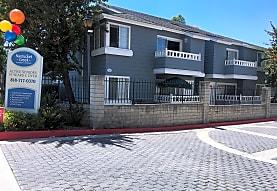 Nantucket Creek Apartments, Chatsworth, CA