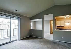 Harbour Club Apartments, Centerville, OH