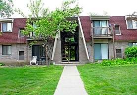 Adams Lake Apartments and Townhomes, Waterford, MI