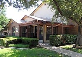 Steeplechase, Fort Worth, TX