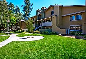 Stone Creek Apartment Homes, Valencia, CA