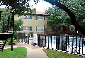 Aaron' s Courtyard & Club One, Oklahoma City, OK