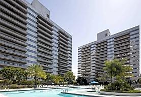 Barrington Plaza, Los Angeles, CA