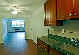 Shaker Square Apartments/The Woodlands, Cleveland, OH