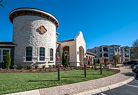 Wiregrass at Stone Oak Apartments - San Antonio, TX 78258
