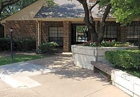 Cobblestone Condominiums Apartments - Plano, TX 75075