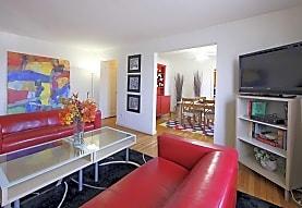Oak Ridge Apartment, Riverdale Park, MD