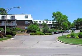The Quarters, Woodridge, IL