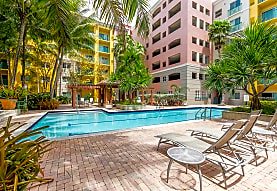 Valencia Apartments - Miami, FL 33143