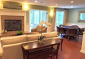 Parkwood Highlands Apartments & Townhomes- Senior 55+, New Berlin, WI