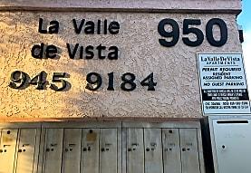 La Valle De Vista Apartments, Vista, CA