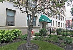 808 W. Junior Terrace, Chicago, IL