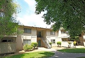 Plaza Apartments, Fresno, CA