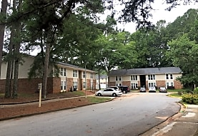Paradise Carrollton Apartments - Carrollton, GA 30117