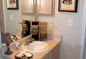 Creekwood Place Apartment Homes, Lancaster, TX
