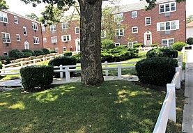 Maple Crest Apartments At East Rockaway, East Rockaway, NY