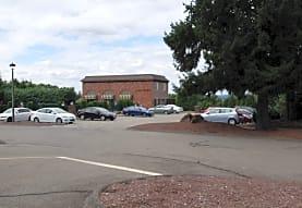 LANDMARK APTS, Newington, CT