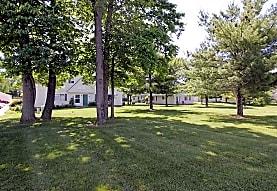 Hunters Lake Apartments & Townhomes, Cuyahoga Falls, OH