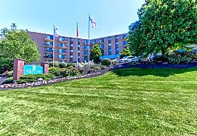 Bluestone Apartments, Euclid, OH
