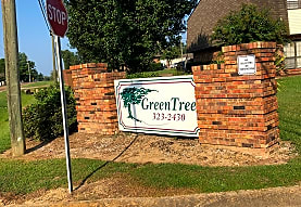 Greentree Townhouses Apartments, Starkville, MS