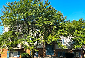 Kenwood  Kennebeck Court Apartments, Normal, IL