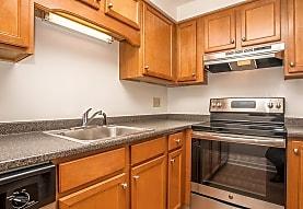 Royal Crest Estates Apartments, Nashua, NH