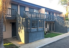Summer Ridge Apartments, Fallbrook, CA