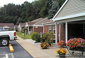 Sprucewoods Commons, Slippery Rock, PA