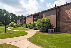 Quail Hollow Apartments, Massillon, OH
