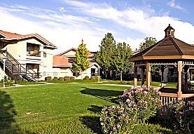 Saratoga Senior Apartments, Vacaville, CA