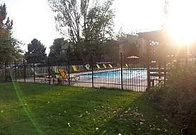 Village Green Apartments, Greeley, CO
