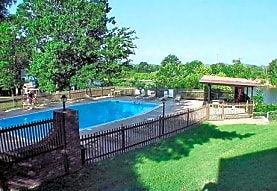 Cumberland Retreat Apartments, Nashville, TN