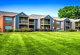 Colonial Village At Hampton Glen, Glen Allen, VA