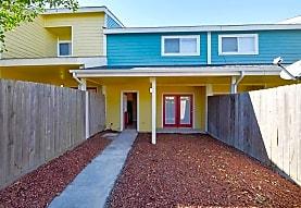 Roundhill Townhomes Apartments Houston Tx 77090