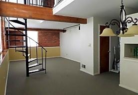 Dery Silk Mill Apartments - Catasauqua, PA 18032