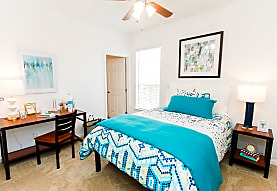 FLATTS AT SOUTH CAMPUS-PER BED LEASE, Oxford, MS