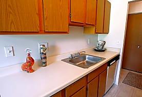 Garfield Commons Apartment Homes, Clinton Township, MI