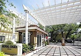 Royal Oaks Townhomes, Hollywood, FL