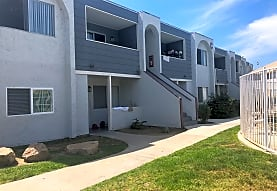 Oakleaf Apartments, Oceanside, CA