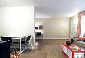 Las Brisas Apartments, Colton, CA